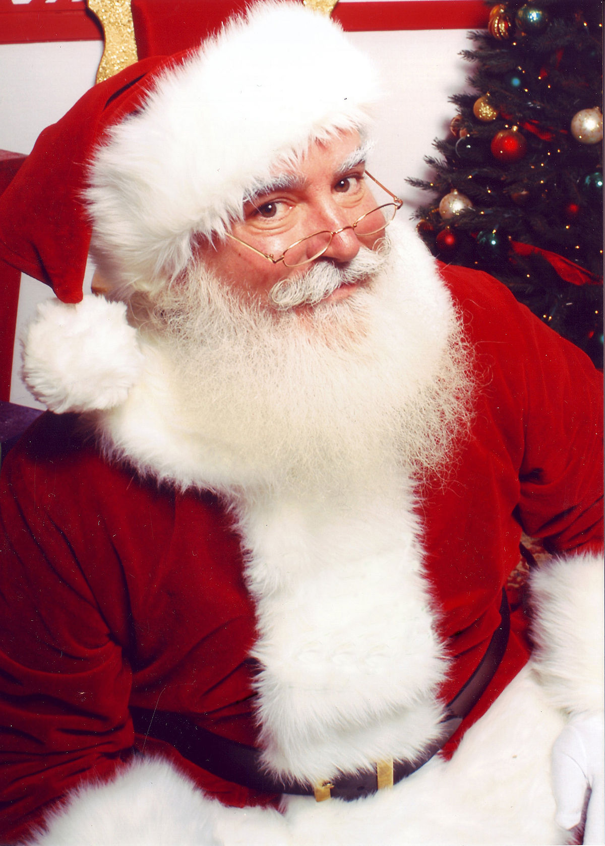 Santa visits Kros Strain Brewing!